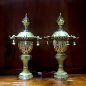 Đôi đèn thờ đồng dát vàng 24k cao 51cm
