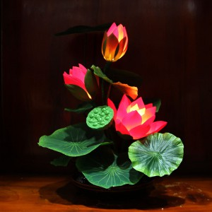 Đôi đèn thờ hoa sen Đài Loan