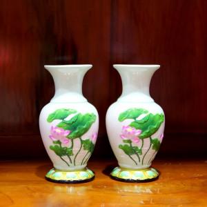 Đôi lọ hoa sứ trắng họa tiết ao sen cỡ 20cm