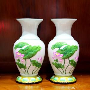 Đôi lọ hoa sứ trắng họa tiết ao sen cỡ 25cm