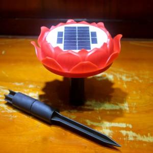 Hoa sen niệm phật năng lượng mặt trời