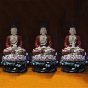 Bộ tượng Tam Thế Phật bằng sứ y phục nâu